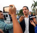 Fuerzas antichavistas liberan al opositor Leopoldo López y Guaidó convoca a los militares
