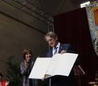 Tomás Yerro recibe el Príncipe de Viana 2019 y lo dedica a su padre, su