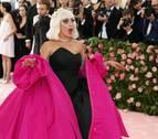 Lady Gaga presenta a su nuevo novio con una fotografía juntos en Instagram