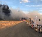 Incendio en un vertedero con plásticos en Mendavia