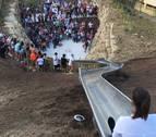 Cierra el disparatado tobogán de Estepona tras los daños sufridos por los usuarios