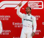 Hamilton triunfa en Barcelona y le birla el liderato a Bottas