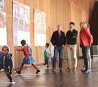 Burlada acoge la muestra fotográfica del Ejecutivo foral 'Caminos a la escuela'