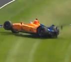 Así ha sido el accidente de Fernando Alonso en los libres de Indianápolis