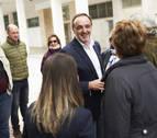 Esparza propone mejorar las ayudas a la dependencia en Navarra