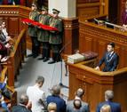 Vladímir Zelenski es investido presidente de Ucrania