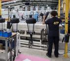 La producción industrial solo creció en enero en Galicia y Navarra