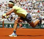 Nadal pasa a cuartos de Roland Garros gracias a su victoria número 90 en París