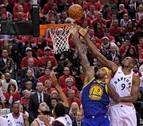 Los Warriors reaccionan y recuperan el 'factor cancha' ante los Raptors