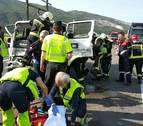 Un herido en un choque entre dos camiones en la AP15 cerca de Imarcoain