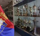 La vitrina de Osasuna espera la copa de campeón