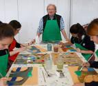 Juan Carlos Pikabea enseña a los jóvenes a disfrutar del arte