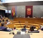 El Parlamento foral muestra su solidaridad a Cayetana Álvarez de Toledo