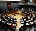 El Parlamento se suma al Día del Orgullo LGTBI+ y respalda al programa Skolae