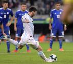 Argentina sobrevive en el Mineirao y empata con Paraguay gracias a Messi