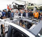 Varios jóvenes se forman en automoción montando un coche híbrido en Iturrondo