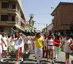 Cánticos para la Virgen del Amparo en el día grande de fiestas de Castejón