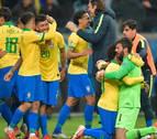 Brasil sobrevive a 'Gatito' en los penaltis y pone rumbo a semifinales