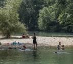 La tramitación ante la CHE aleja de este verano la playa fluvial del Ega
