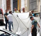 Mata a su mujer en Rute (Córdoba) y se entrega en Madrid con sus dos hijos