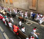 'Diligente' conduce con velocidad y nobleza a los toros de La Palmosilla en su debut en el encierro
