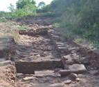 Hallados en Mués los restos de una presa romana del siglo I