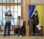 Ucrania vuelve a las urnas en unas elecciones que buscan reforzar el poder de Zelenski