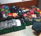 Incautadas en Puente la Reina más de 800 prendas de ropa y bolsos falsificados