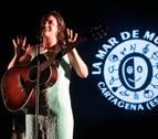 Amaia también cautiva en 'La Mar de Músicas' y une su voz a las de los Hermanos Cubero