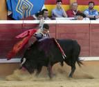 Jesulín de Ubrique demuestra en Tudela que sigue siendo el rey
