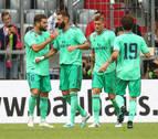 Benzema evita otro naufragio de un Real Madrid muy blando en defensa (5-3)