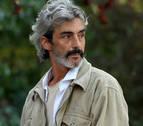 El actor Micky Molina queda en libertad pendiente de juicio tras alterar el orden público en el aeropuerto