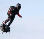 El 'soldado volador' logra cruzar el Canal de la Mancha