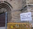 Vallado el atrio de la iglesia de Viana ante el peligro de desprendimiento