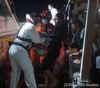 Otros cuatro migrantes son evacuados del Open Arms