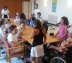 Encuentros entre niños y abuelos en las residencias de Argaray y Betelu