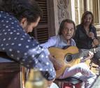 El flamenco de Ketama y Pepe Habichuela se asoma al balcón del Ayuntamiento de Pamplona