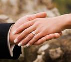 Las parejas estables deberán registrarse para equipararse a los cónyuges a efectos fiscales
