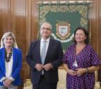 Enrique Maya se reúne con la comisaria del Xacobeo 2021