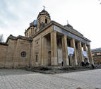 Navarra Suma plantea mantener el edificio de los Caídos y reurbanizar la zona