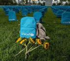 Un cementerio de mochilas frente a la ONU en homenaje a los niños muertos en conflicto