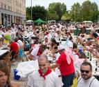 Nuevo éxito de la comida del pato en fiestas de Zizur