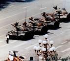 Fallece el fotógrafo Charlie Cole, autor de la famosa imagen de Tiananmen