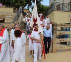 Jotas, bailes y solemnidad por la Santa Cruz en Cárcar