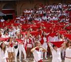Una marea roja y blanca para iniciar la fiesta en Villafranca