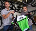 """Juanjo Oroz y Manolo Azcona: """"El Kern Pharma tiene que ser grande y debe aspirar a pelear por el Tour"""""""