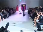 Naomi Campbell vuelve deslumbrante a la pasarela londinense