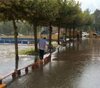 Una tormenta torrencial en plena hora punta en Pamplona y Comarca