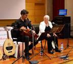 Palabra y música para explicar el Camino se Santiago en el centro Ultreia