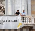 Retiran de la fachada del Palau de la Generalitat la pancarta de los presos